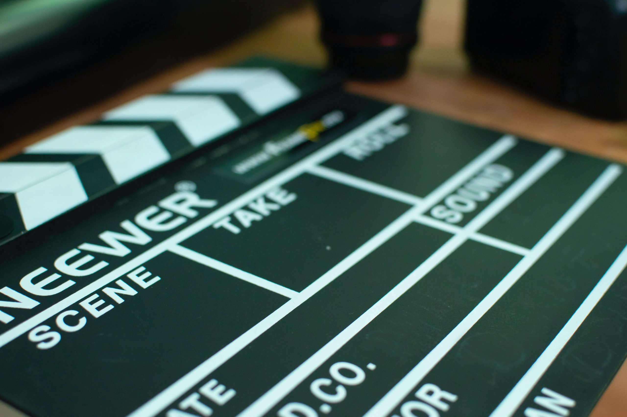 Filmploeg voor wekelijkse video's, boost uw bedrijf!